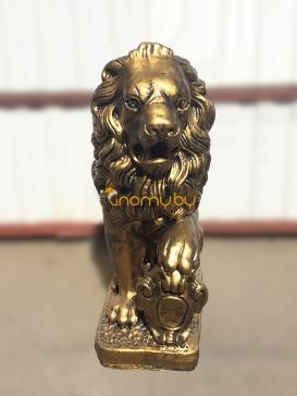 Бронзовый лев сидячий