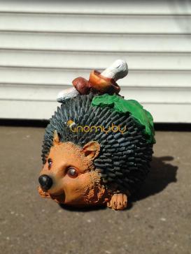 Ежик с грибами