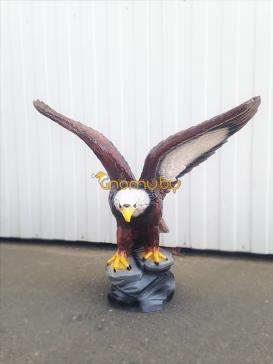 Орёл с расправленными крыльями